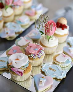 """1,325 Gostos, 20 Comentários - Alexandra Lapp (@alexandralapp_) no Instagram: """"BABYSHOWER - an aunt-to-be's milestone. Find all about my #babyshower for my little sister…"""" Babyshower, Cup Cakes, Mini Cupcakes, Aunt, Instagram, Desserts, Food, Tailgate Desserts, Deserts"""