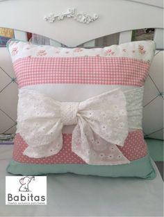 Baby pillow , almohadas decorativas , habitación del bebé  https://www.facebook.com/babitasparaguay/