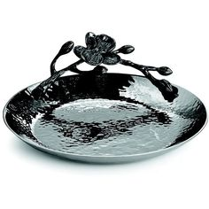 Michael Aram Black Orchid Round Trinket Tray ($69) ❤ liked on Polyvore featuring home, kitchen & dining, serveware, gifts - michael aram, michael aram, circular tray, michael aram serveware, round tray and hammered tray