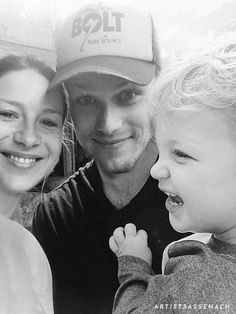 A hopeless romantic who ships two human beings called Sam Heughan and Caitriona Balfe. Sam Heughan Family, Fanart, Think Happy Thoughts, Sam Heughan Outlander, Sam And Cait, Samheughan, Jamie And Claire, Caitriona Balfe, Jamie Fraser