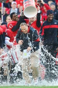 This makes me so happy. I love Mark Richt and how he proclaims his faith so boldly. Thrilled that Georgia has had a great season to enable him to keep his job!