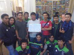 "PanTulKotaserang Versi Vario Banten Community (VBC)  #PanTulKotaSerang  Papan Tulisnya Warga Kota Serang. Wadah apresiasi suara dari dulur sedanten tentang Kota Serang PanTulkotaserang Versi Vario Banten Community (VBC). Kata positif untuk Kota Serang menurut Vario Banten Community (VBC)""Keren"" ""WowGokil"" ""Lancar"" ""Mantaaap""  Download"