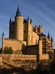 castles in the world - Google Search