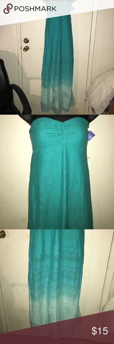 NWT Roxy Ombré maxi dress L Gorgeous Ombré in green Roxy maxi dress!! So fabulous!!  Check out my closet for more great deals... bundle and save!! Roxy Dresses Maxi