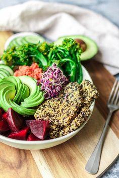 Good Life Bowl mit Broccolini, pinkem Quinoa & crunchy Sesam-Tofu | eat this! | Bloglovin'