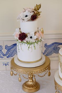 French-inspired wedding inspiration | Damon Tucci Photography | Michele Butler Events | Party Flavors Custom Cakes | Hand-painted Wedding Cake
