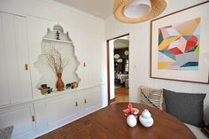 Before and After: A Breakfast Nook Seriously Lightens Up