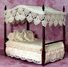 dollhouse miniature ladies hats | Click onpictures for more detailed view Victorian Dollhouse Furniture, Victorian Dolls, Wooden Dollhouse, Diy Dollhouse, Dollhouse Miniatures, Miniature Rooms, Miniature Houses, Miniature Furniture, Victorian Bedroom