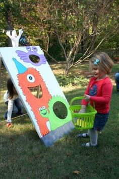 Monster Beanbag Toss - perfect for kid's parties. #lowescreativeideas #lowes