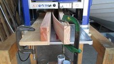 jig for planing the edges in a thickness planer