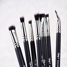 How good these brushes are? Get your hands on your very own brushes. Click image to shop. Eyeshadow Brush Set, Makeup Brush Set, Eye Makeup Brushes, How To Apply, Hands, Shop, Image, Set Of Makeup Brushes, Store