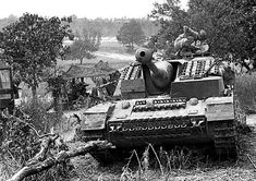 A knocked-out German StuG IV self-propelled assault gun. Ww2 Weapons, Ww2 Tanks, Survival Tools, War Machine, Panthers, Military Vehicles, Beast, Monster Trucks, German