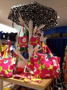 The tree of Marimekko Marimekko Bag, 50 Fashion, Fashion Design, Display Design, Scandinavian Design, Textiles, Textile Design, Print Patterns, Finland