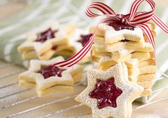 Christmas Star Biscuit Recipe Ingredients Serves:Â Biscuit butter cup caster sugar 1 cups ground a. Basic Cookies, Cut Out Cookies, Easy Biscuit Recipe, Christmas Biscuits, Cookie Dough Recipes, Cookie Time, Biscuit Cookies, Holiday Recipes, Christmas Recipes