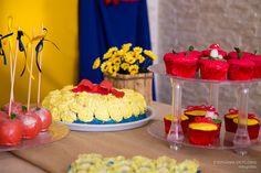 Festa de Aniversário da Branca de Neve, Inspiração, Snow White Theme Party inspiration Stephânia de Flório www.stephaniadeflorio.com.br Snow white Cake Cupcakes Decoration