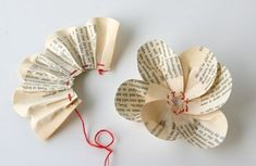 Old Book Page Flower : Tutorial. (To add to the burlap silverware pouches instead of the fabric rosettes?)