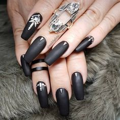 "1,994 Likes, 13 Comments - Larissa @ Shangri La Nails (@nailsbylarii) on Instagram: ""#badgirl #badass #studs #matteblack . .…"""