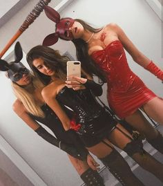 16 Insanely Hot and Easy Group Costumes to Wear this Halloween. 16 Insanely Hot and Easy Group Costumes to Wear this Halloween. Bunny Halloween Costume, Best Group Halloween Costumes, Halloween Look, Halloween Inspo, Halloween Zombie, Halloween 2019, Vampire Halloween Costumes, Cute Girl Halloween Costumes, Sexy Pirate Costume