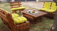Jardim com móveis de paletes www.maispaletes.com #palletlounge #palletgarden #palletfurniture