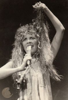 Stevie onstage  ~ ☆♥❤♥☆ ~    almost pulling her hair out, so intense is her performance at this late 70's concert
