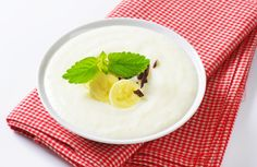 krupicova kasa s bananom Iftar, Panna Cotta, Ale, Pudding, Breakfast, Healthy, Ethnic Recipes, Desserts, Food