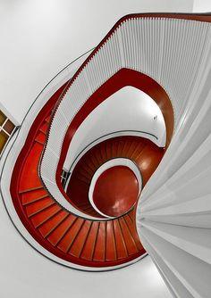 red white spiral | Flickr: Intercambio de fotos