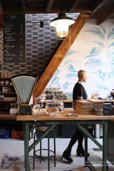 Ein Mix aus Materialien in diesem Café