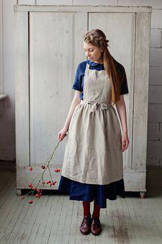 Apron Dress Linen Apron Long Apron Cleaning Apron Gift For Womens Fashion Online, Latest Fashion For Women, Pinafore Apron, Pinafore Dress Outfit, Sweatshirt Dress, Jumper Dress, Looks Vintage, Mode Vintage, Mode Inspiration