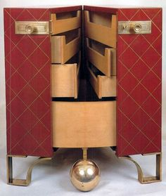 "Commode ""Malle de voyage"" by Eugène Printz (1889 - 1948), 1930s Eclectic Furniture, Art Deco Furniture, Funky Furniture, Antique Furniture, Art Deco Bar, Art Deco Design, Art Nouveau, Art Et Architecture, 1950s Design"