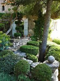 Risultati immagini per mediterrane gärten beispiele