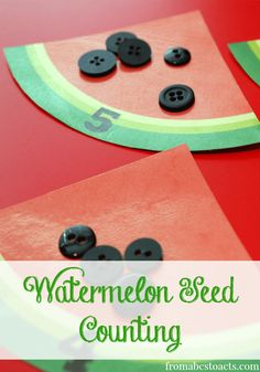Watermelon Seed Counting - Cute and simple summer counting activity! FREE watermelon template. #preschool #counting
