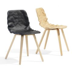 """The chair Dent with a """"dressed"""" seat shell - Blå Station"""