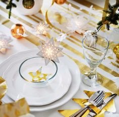 tisch weihnachten gold Start planning your New Year's eve party with IKEA! Add touches of gold to table settings and décor for a night that's sure to sparkle.