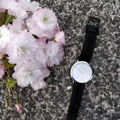 Silver + white w/black leather strap ❤️ . . . . . . . #flatlay #saturday #weekendvibes #timepiece #fashion #hashtag #flowers #smells #accessories #leather #black #silver #white #pinkflowers #blogger #styleblogger #time #moments #vibes #armcandy #concrete #aylagracetimepiece #watches #watch #timing