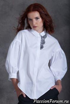 БЛУЗКА Miss - surfing Blouse Styles, Blouse Designs, Hijab Fashion, Fashion Dresses, Fashion Details, Fashion Design, Trends 2018, White Shirts, Diy Clothes