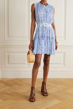 Blue Tiered gathered floral-print silk-georgette mini dress | Chloé | NET-A-PORTER Corsage, Neutral Sandals, Dress Outfits, Fashion Dresses, Chloe Clothing, Feminine Dress, Models, Catwalk, Floral Prints