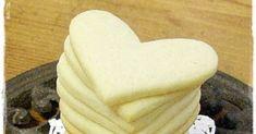 Marsipaanipuodin Merjan blogi josta löydät kuvia kakku-ja pöytäkoriste taideteoksista, leivontareseptejä sekä käsityövinkkejä. Dairy, Cheese, Cookies, Desserts, Food, Crack Crackers, Tailgate Desserts, Deserts, Eten