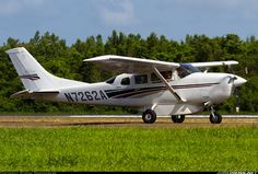 Cessna 206H Stationair aircraft picture