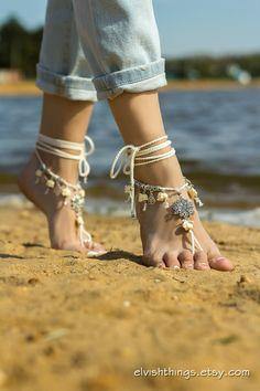 Geweldige barefoot sandalen met lotusbloemen en olifanten. Ideaal voor het strand bruiloft, yoga of dance klassen, andere barefoot activiteiten. ♥ Vrije geest, boho look ♥ in het oog springende voet juwelen Blote voeten, kan worden gedragen met schoenen of slippers. Één grootte past de meeste. Contact met water kan veroorzaken sommige kleurwijzigingen van metalen onderdelen. Meer barefoot sandals: http://www.etsy.com/shop/ElvishThings?section_id=12628863 ----------------------------- Le...