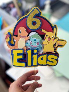 Pokemon Cake Topper, Diy Cake Topper, Custom Cake Toppers, Pokemon Birthday Cake, Birthday Cake Toppers, 6th Birthday Parties, Boy Birthday, Pokemon Party Bags, Pokemon Party Decorations