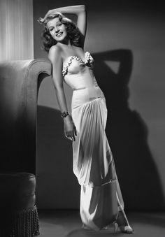 Rita Hayworth, 1940s. Uploaded By www.1stand2ndtimearound.etsy.com