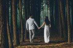 Pre Wedding Shoot Ideas, Pre Wedding Poses, Wedding Couple Poses Photography, Pre Wedding Photoshoot, Wedding Photography Inspiration, Cute Couple Poses, Couple Photoshoot Poses, Prenuptial Photoshoot, Wedding Tumblr