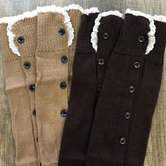 (2pc) BOOT TOPPERS Pre-Made Bundle Just an easy way for you to get more bang for your buck. ask all your questions and then let's get these perfect boot toppers home to you. bundle includes: Brown & Light Brown (one size fits all) Accessories Hosiery & Socks