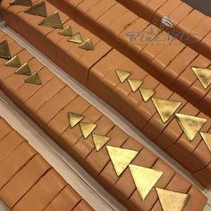 Peach geometric cake bars Geometric Cake, Cake Bars, Peach, Peaches