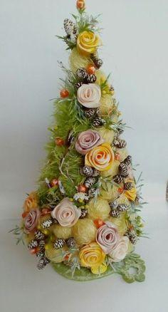 80 Fantastic Farmhouse Christmas Tree Decorating Ideas - Her Crochet Christmas Plants, Cone Christmas Trees, Christmas Tree Crafts, Felt Christmas, All Things Christmas, Xmas Tree, Christmas Wreaths, Christmas Cards, Christmas Ornaments