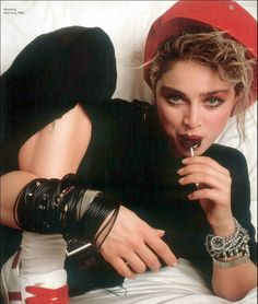 Madonna wearing a stack of jelly bracelets and stud/spike punk bracelets on each arm in the 80s 80s Mullet, Jelly Bracelets, Madonna 80s, 80s Fashion, Fashion Trends, Bubble Skirt, Acid Wash Jeans, Mullets, Aerobics