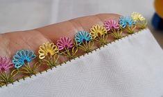 Pırpırlı Elele Taç Çiçekleri İğne Oyası Modeli Yapımı