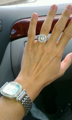 Beautiful big engagement ring with sparkling diamonds.
