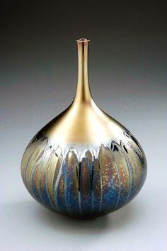Hideaki Miyamura  vase with black and gold glaze  saw at ACC - said uses tenmoku for base glaze often