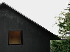 Plywood can be used in external applications as well, like the tar-coated plywood exterior that Swedish architect Johannes Norlander used in the Morran House in the Gothenburg archipelago. [Looks almost like shogo sugi ban]